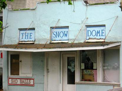 The Snow Dome Algiers New Orelans sno ball stand