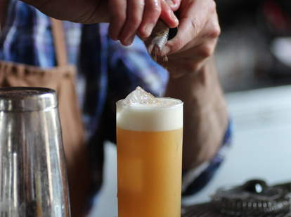 A delicious beertail being created