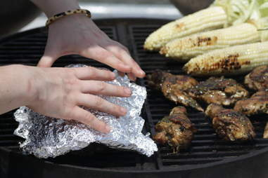 tin foil to cover food on the grill