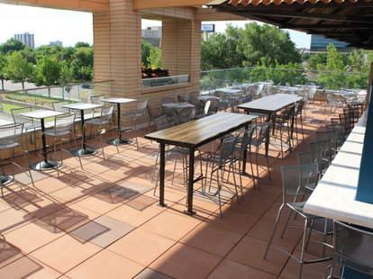 Hi^Jax rooftop seating
