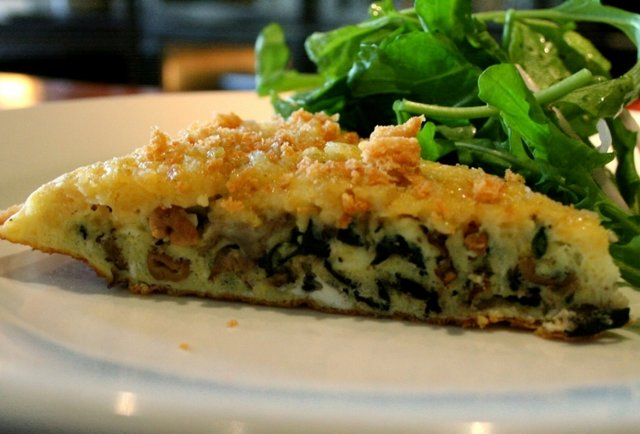 Frittata w/ \'Shrooms, Manchego & Toasted Breadcrumbs