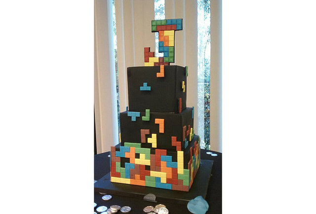 10 old-school video game cakes that\'ll make you want to eat your controller