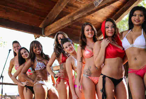Bikinis, TX swimsuit competition