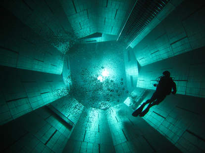 NEMO 33 diving tank