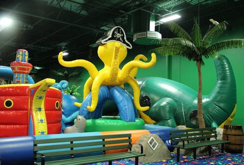 Inflatable octopus at CooCoos
