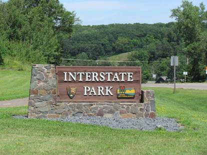 Interstate Park welcome sign