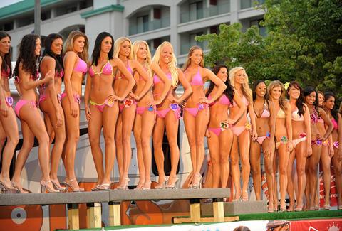 hooters-girls-bikini-contest-pics