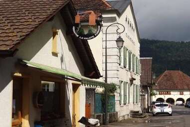 The Franco-Swiss Absinthe Trail