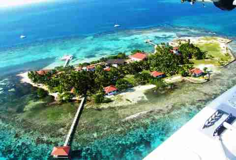 Hatchet Caye Resort Island2