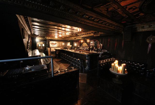 A gin-soaked steampunk dream
