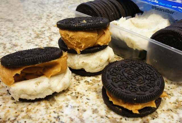 Moreos are Oreos that let you pile on as much cream filling as you want. Now they just need to become real.