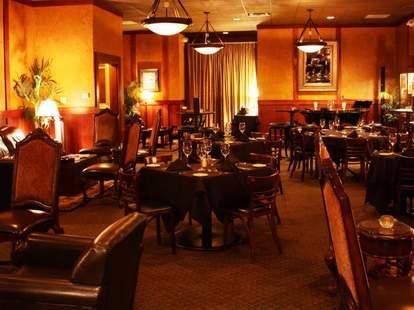 Chamberlain's Cigar Lounge