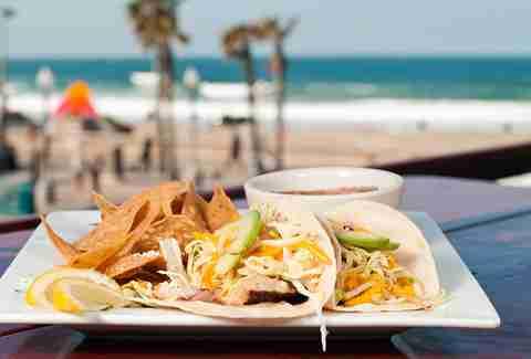 Mexican seafood san diego fish taco crawl in sd thrillist for Fish head cantina menu