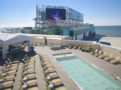 Rooftop pool at Suite 7400 at Caesars Atlantic City