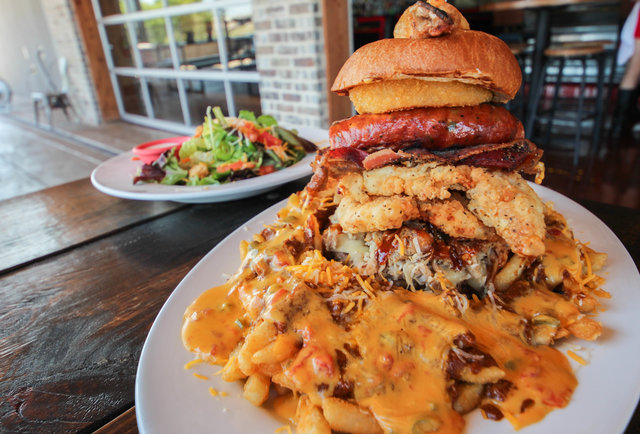 Fat Kid Fridays, August 9th Edition: This week\'s most ridiculous eats, ranked by calorie content