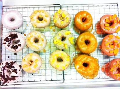 Paulette's Original Donuts & Chicken-Toronto-Donuts