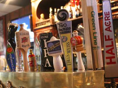 stocks and blondes chicago beer drafts