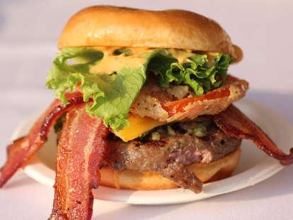 A delicious bacon cheeseburger