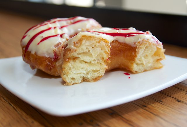 Five reasons why the New Orleans do'sant is superior to the New York cronut