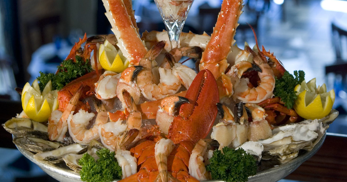 R2l S Hot Cold Seafood Platter Eat Thrillist