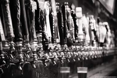 harding tavern chicago taps
