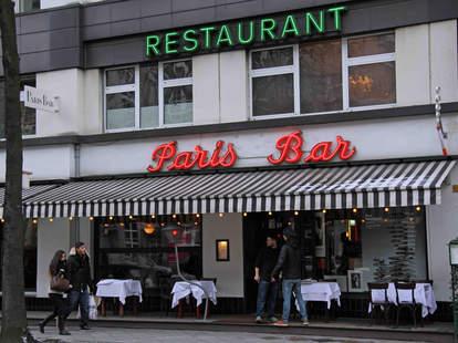 Paris Bar exterior