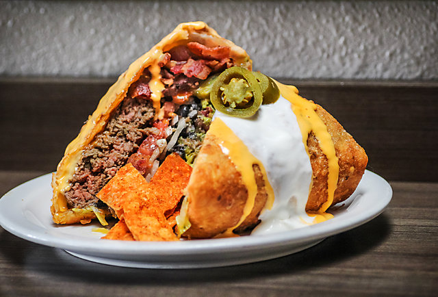 Fat Kid Fridays, August 16th Edition: This week\'s most ridiculous eats, ranked by calorie content