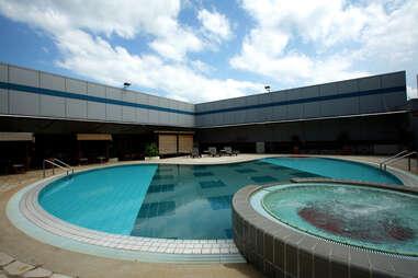 Airport Bars Pool