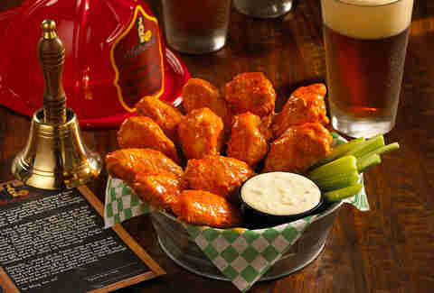 Jake melnick's corner tap xxx hot wings chicago