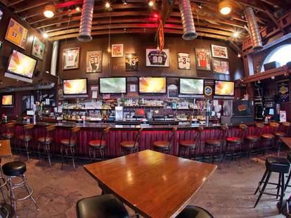 901 Bar & Grill interior