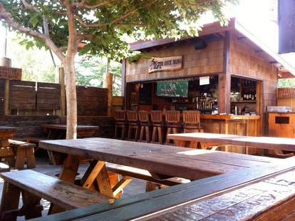 The Dutch Goose patio