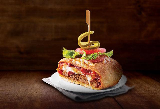 Boston\'s Restaurant unleashes the Pizzaburger
