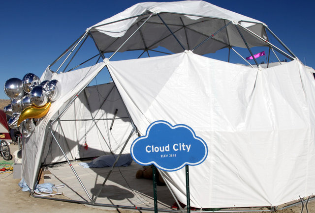 10 Burning Man tents you shouldn\'t go in for any reason whatsoever