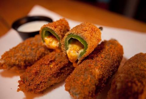 Fried jalapeño poppers