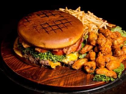 McFadden's Las Vegas -- Big Daddy Burger