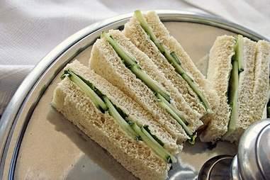 Finger sandwich