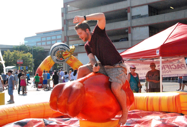 Thanks to 40 TONS of wings, the National Buffalo Wing Festival was kinda insane