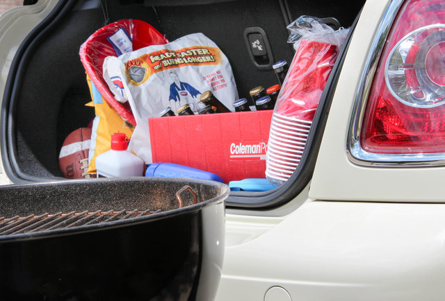 The top 25 things you absolutely need for a proper tailgate, in order