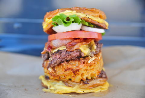 Mac 'n cheese grilled cheese monster burger