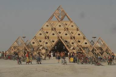 pyramid dance party