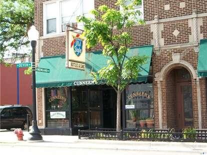 cunneen's chicago rogers park bar