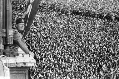 Mussolini on a balcony