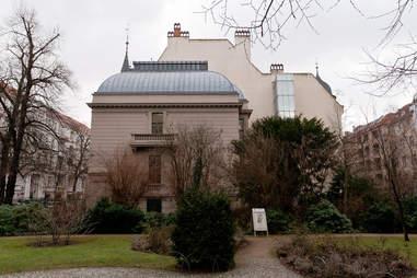 Exterior shot of the Literaturhaus