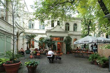 Cafe Rix outside