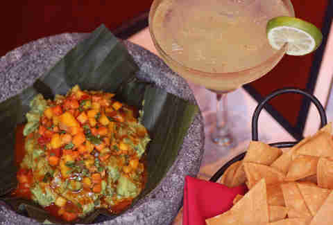 Margaritas and guacamole at El Vez