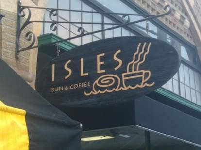 Isles Bun & Coffee sign