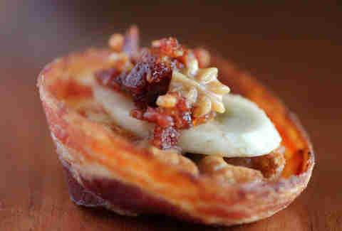Fat Elvis bacon cups at the Bacon Takedown at Lincoln Hall