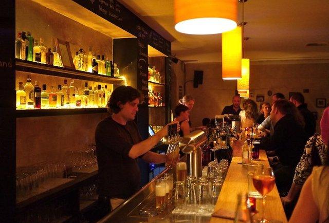 best bars in munich the eight coolest bars in munich. Black Bedroom Furniture Sets. Home Design Ideas