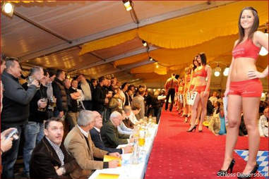Ladies in the Scloss Diedersdor pageant