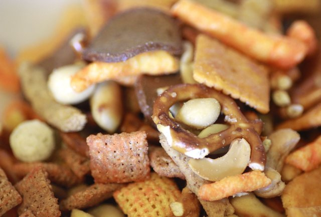 Behold the world\'s greatest Gardetto\'s/ Munchies/ Chex/ etc. hybrid snack mix